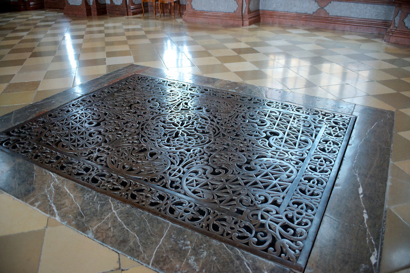 A grate in the floor in the Marble Hall allowed heat to rise from the kitchen below in medieval times.