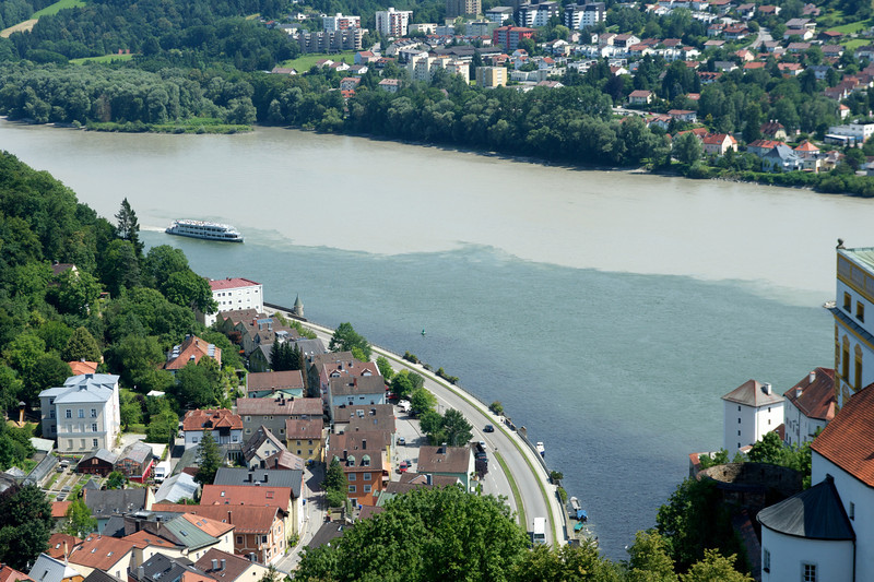 The Danube from Veste Oberhaus.  Austrian border at the upper left.