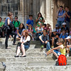 Student tourists on the steps of the Dom.