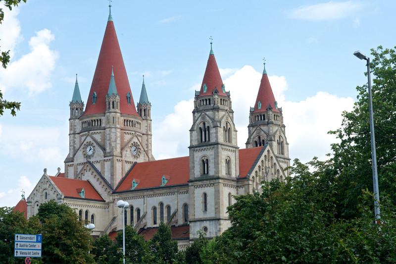 The Votvie Church at Mexicoplatz.