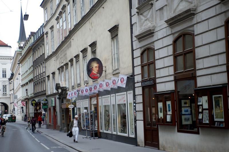 The ubiquitous Mozart souvenir shop.