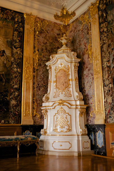 Fireplace in the Venetian Room.