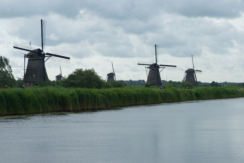 Paths follow the banks of the canals and lead to several different windmills.