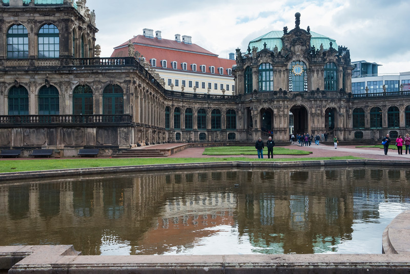 The Wallpavilion, a Baroque mixture of statues and architecture.