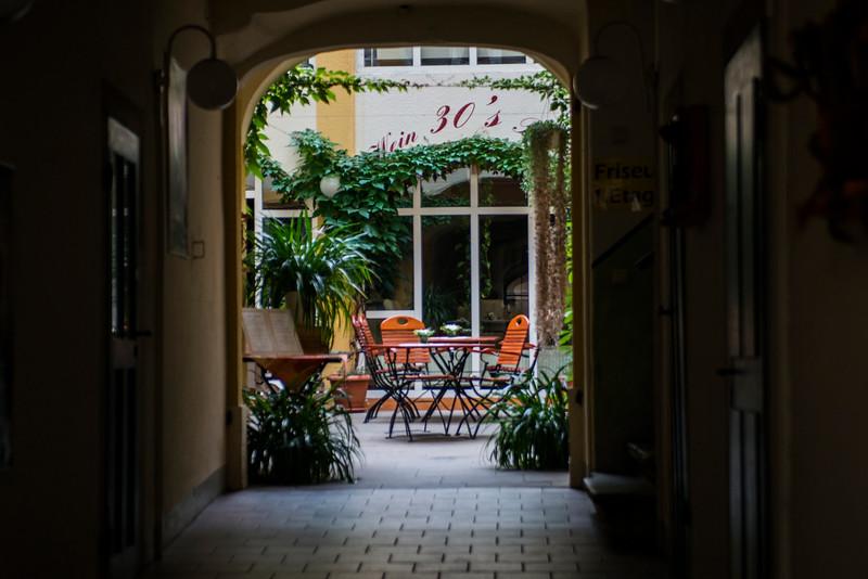 Meissen cafe'.