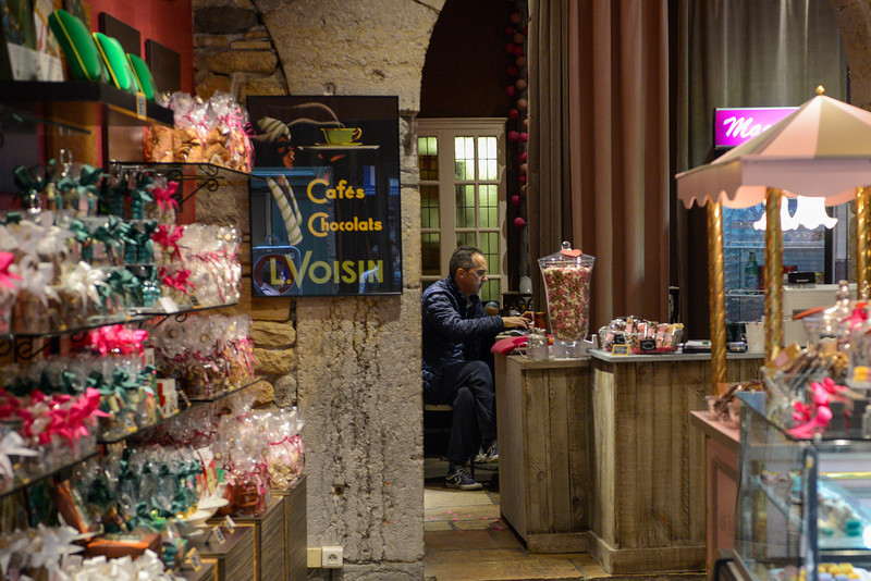 Magasin de bonbons (candy store).