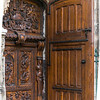 Basilique Saint-Pierre, sculpted door.