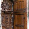 Basilique Saint-Pierre, sculpted door.