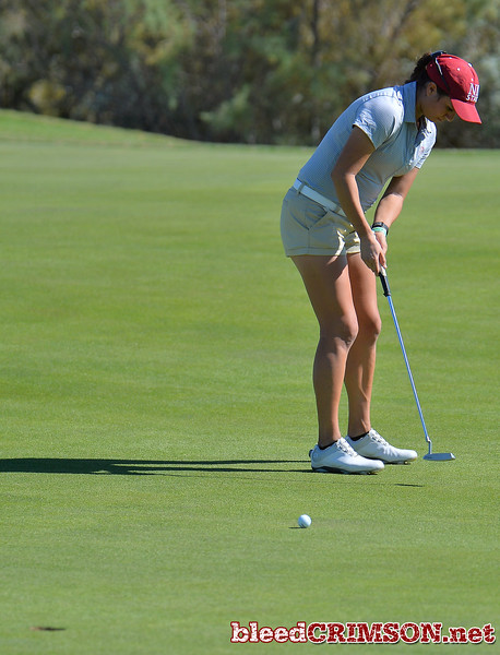 LAS VEGAS, NV - OCTOBER 22:  Kennedie Montoya of the New Mexico State Aggies hits a putt on the sixth hole during the 2017 Las Vegas Collegiate Showdown at the Boulder Creek Golf Course in Boulder City, Nevada.  (Photo by Sam Wasson)
