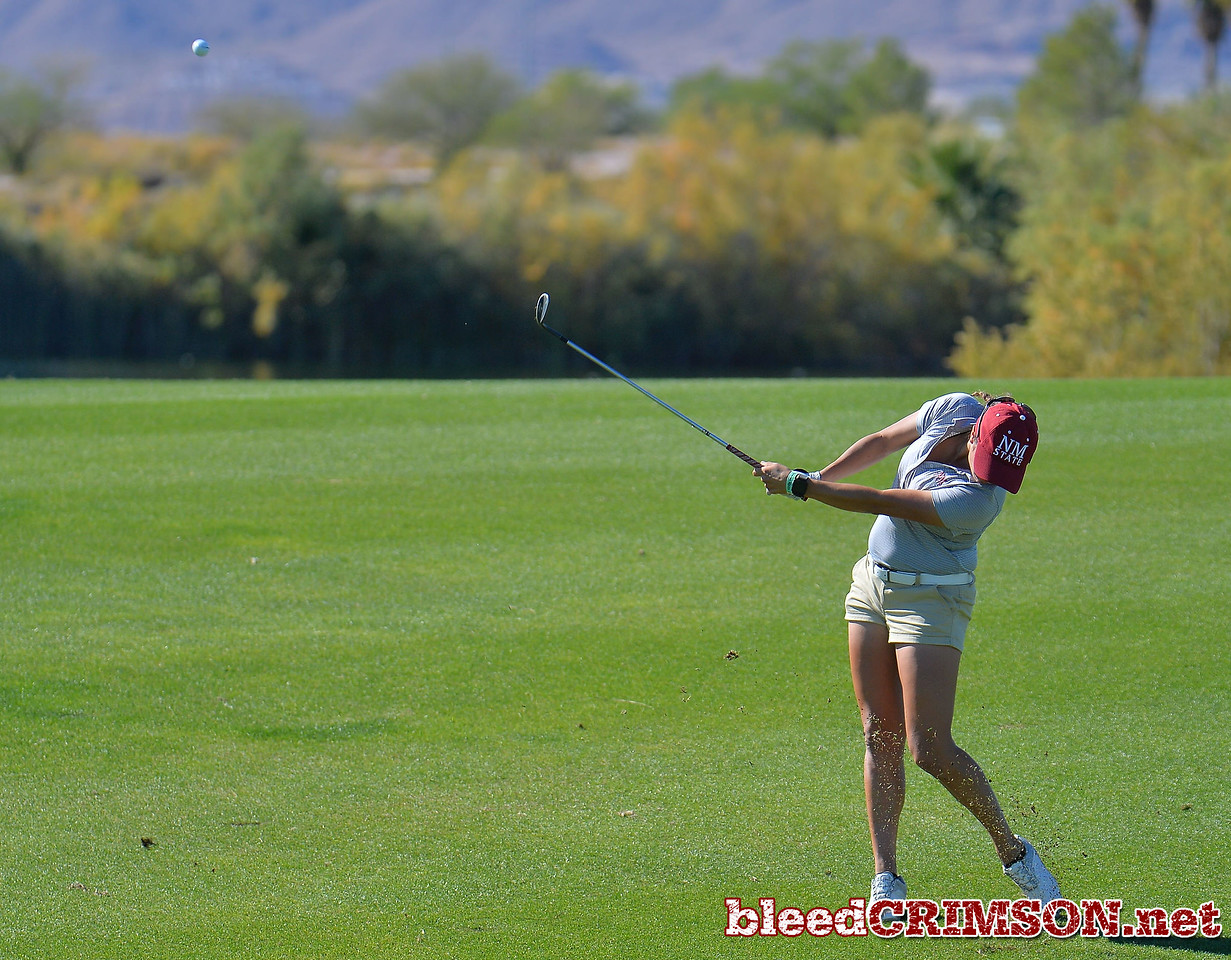 LAS VEGAS, NV - OCTOBER 22:  Kennedie Montoya of the New Mexico State Aggies hits her approach shot on the tenth hole during the 2017 Las Vegas Collegiate Showdown at the Boulder Creek Golf Course in Boulder City, Nevada.  (Photo by Sam Wasson)