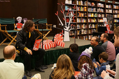 Chet Weise, editor of Third Man Books, talking to the kids (and parents) before the reading.