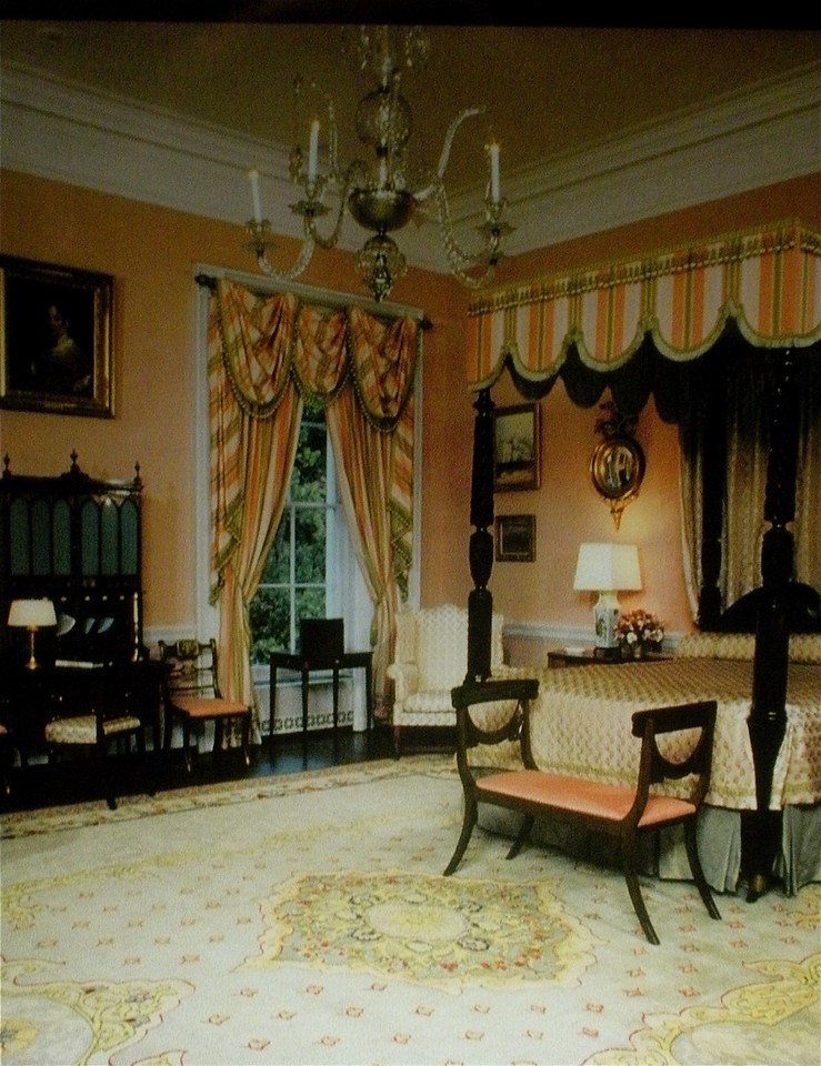 The Queen's Bedroom: White House Tour