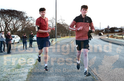 Early riser's - Donald and Max get their marathon underway with frosty conditions early on Sunday morning.