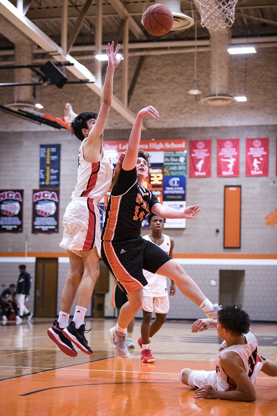 _DLS4937BoysBasketballVNorth2020
