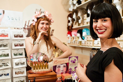 Shari of Charm School Vintage and Johanna of Salon d'Etoile will help you get your fabulous on.