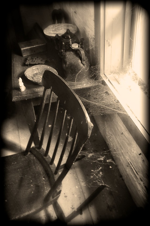 ROCKING CHAIR AND COBWEBS