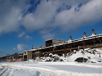 ...es war einmal eine Grossgiesserei, eines der grössten Gebäude der Schweiz mit einem Grundriss von 219x148 m; hier in der Rückbau/Abbriss-Phase, heute Teil von Neuhegi