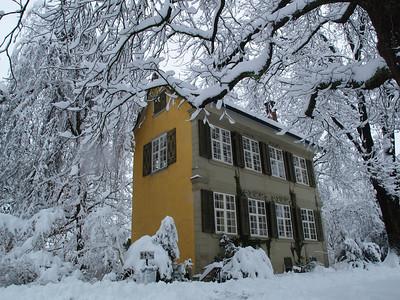 Haus zum Balustergarten (Barockhäuschen, Stadtpark Winterthur)  im Wintermärchen-Kleid