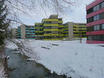 ...es war einmal eine Industriegeviert der Scheco, Kühl- und Wärmesysteme, heute farbenfrohe Grossüberbauung Talwiese zwischen Bahnlinie und Eulach in Oberi (Bezug ab ca. 2010)  http://www.talwiesen.ch/