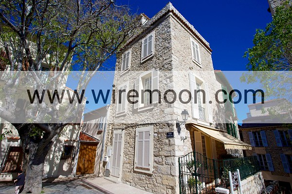 Place Mariejol, Antibes.