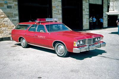 GLENDALE FD  CAR 1  FORD LTD WAGON