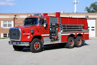 MEQUON  ENGINE 966  FORD L8000 - PIERCE