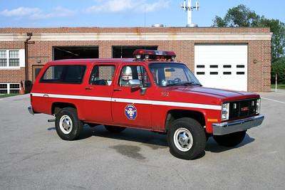 MEQUON  CAR 952  GMC SUBURBAN