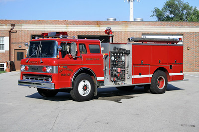 MEQUON  ENGINE 965  FORD C8000 - PIERCE