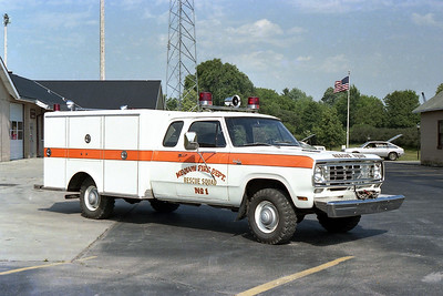 MEQUON  RESCUE 1  DDGE - PIERCE  OFFICERS SIDE