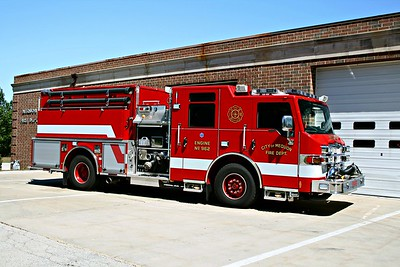 MEQUON FD  ENGINE 962 OFFICERS SIDE