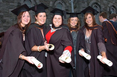 Provision 261006 WIT BSc General Nursing graduates Karen Cashin (Kilkenny), Ciara Lanigan (Laois), Hazel Bond (Laois), Laura Cantwell (KIlkenny) and Caitriona Lynch (Kilkenny) pictured after their graduation ceremony on Thursday 26th October. PIC Bernie Keating/Provision