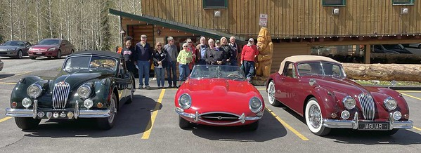 A kindly passerby took this photo of the assembled WMJR multitude. Just out of the photo to the right is the E-type of Les Fuchs, shown in the next photo.