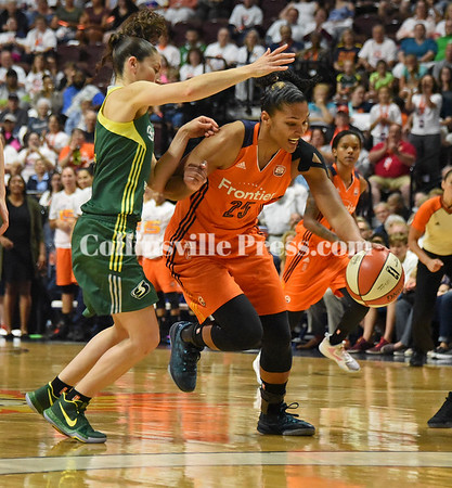 WNBA action with Connecticut Sun 2017