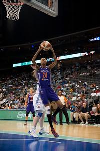 WNBA 2013 - The Phoenix Mercury visit the New York Liberty
