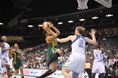 WNBA 2013 - The Seattle Storm visit the New York Liberty