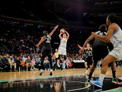 WNBA 2014 - The Chicago Sky visit the New York Liberty