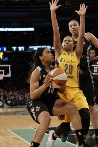 WNBA 2016 - The Los Angeles Sparks Visit the New York Liberty