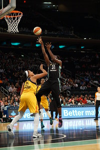 WNBA 2016 - The Indiana Fever Visit the New York Liberty