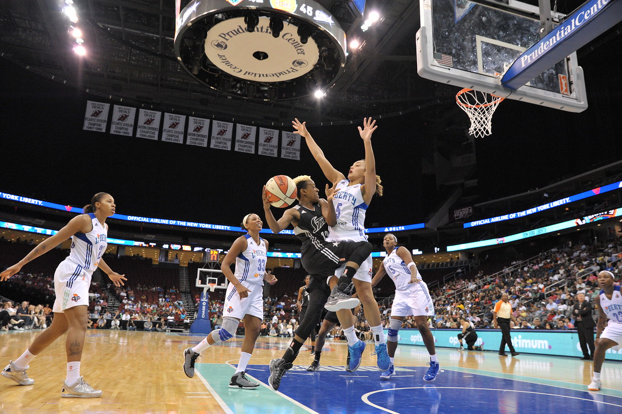 WNBA 2013 - The San Antonio Silver Stars visit the New York Liberty