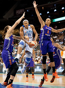 WNBA 2013 - The Phoenix Mercury visit the New York Liberty