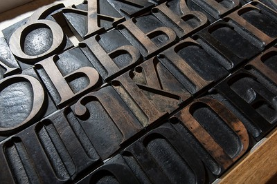 12-cicero oldstyle wood types, cut by hand with the help of stencil templates. © Photos Ottavio Atti - Archive of Styles®   Serie classica da 12 righe tipografiche. Incisione a bulino con l'ausilio di mascherine. © Photos Ottavio Atti – Archivio degli Stili®
