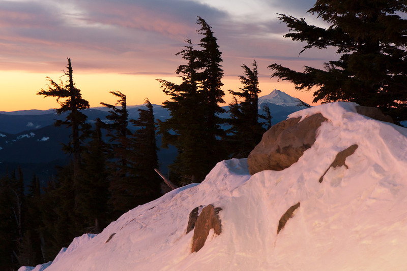 Mt. Jefferson at dawn.<br /> <br /> Location: Upper Ridge Run @ top 2 Bowl.<br /> <br /> Lens used: 17-55mm f2.8 IS