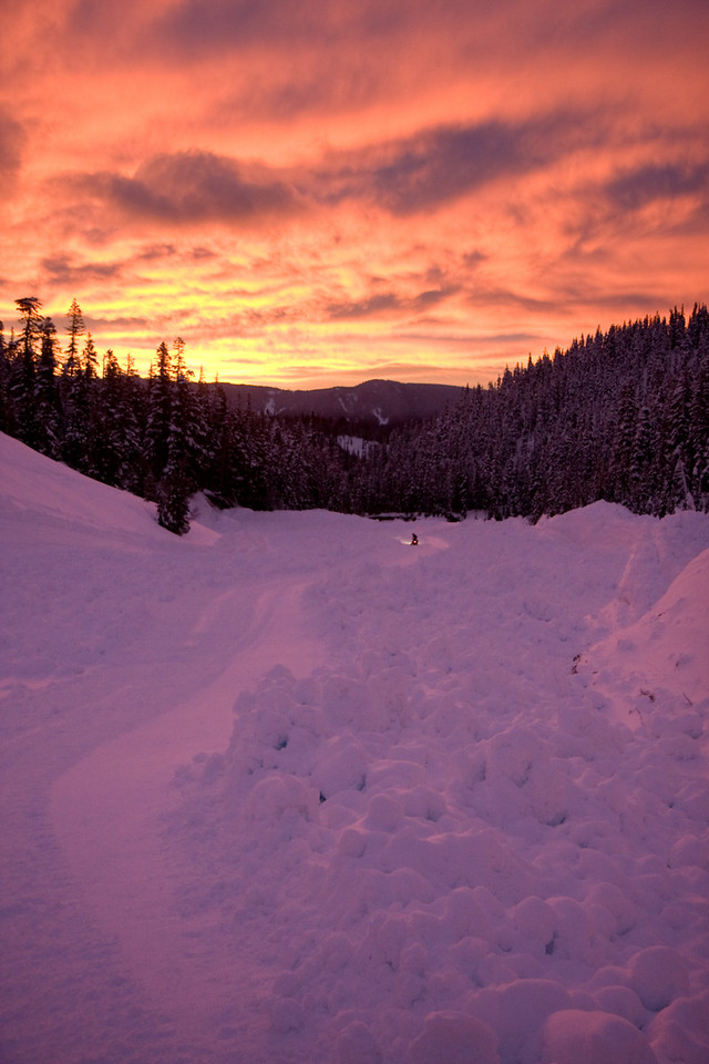 A rippin' sunrise casts the massive deposition pile from a huge avalanche that reached the bottom of Heather Canyon a lovely magenta.<br /> <br /> Lens used: 17-55mm f2.8 IS