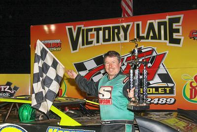 Jeff Smith wins the NDRA crate race