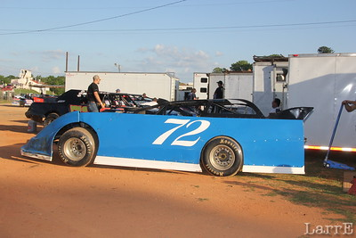 local star Robbie Bailey gets faster and faster in his Limited Late Model