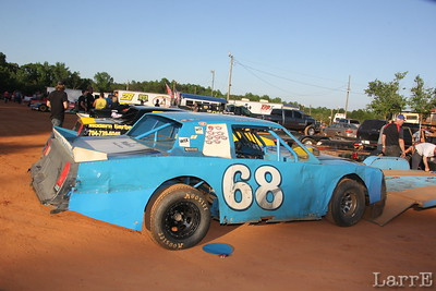 Mike Messer has a bad night with his #68 Street Stock car