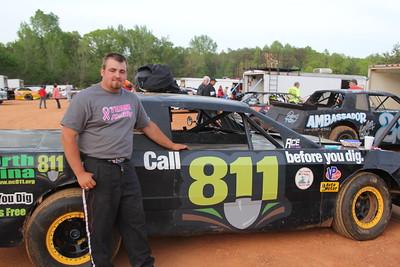 """Luke Eidson's """"Call 811 before you dig"""" car."""