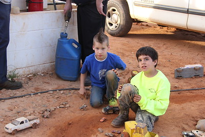 Can you believe  Kynzer Flynn (in the blue shirt) has all ready won a feature event at Millbridge Speedway in North Carolina. Kyle Larson also won at Millbridge that night !
