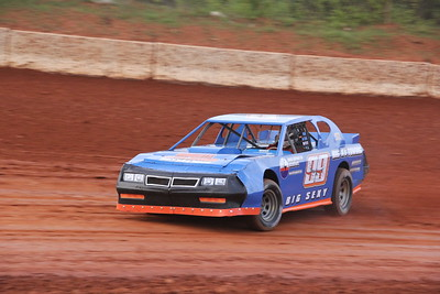 """Ron Scully brought """"BIG SEXY"""" home in 13th place  in the Thunder Sportsman race"""