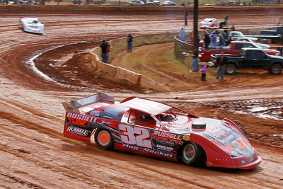 Bubba Russell in the #32 Hog Rocket